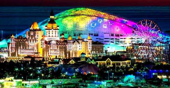 gid-po-samym-krasivym-mestam-nochnogo-sochi-morskaya-naberezhnaya-morskaya-naberezhnaya-odno-iz-8230